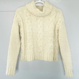 CREAM CROP CABLE KNIT SHAGGY SWEATER SIZE XS